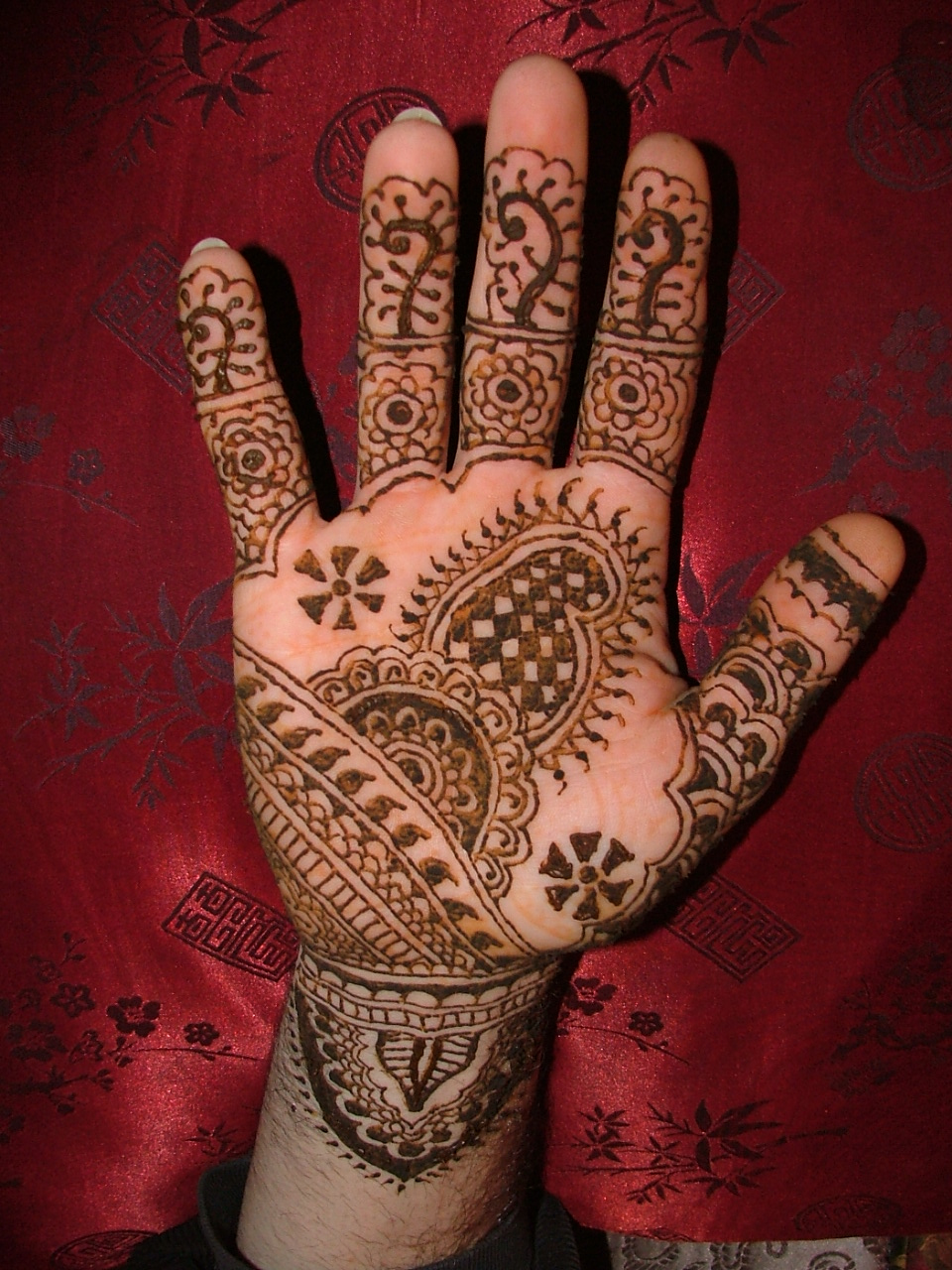 Arabic Henna Hand Tattoo Design