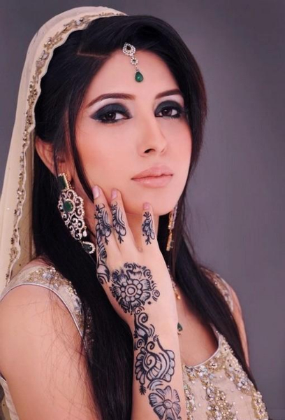 Henna Mehndi Arm Tattoo Design For Girls