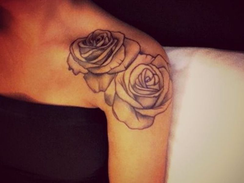 25 beautiful rose tattoos desiznworld for Red rose tattoo meaning